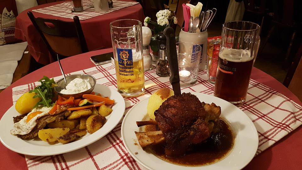 Abendessen bei der Internationalen Handwerksmesse
